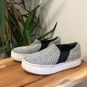 VINCE - Warren Slip-On Sneaker Black & White
